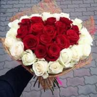 Букет-сердце 25 роз с упаковкой R001