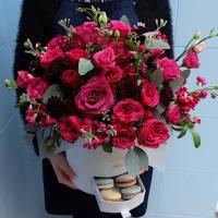 Коробка сборных кустовых пионовидных роз R009