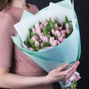 Букет 39 розовых тюльпанов в упаковке R980